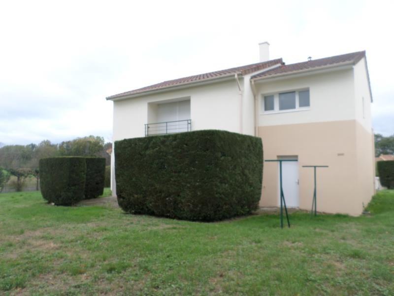 Location maison / villa Montmorillon 964€ CC - Photo 4