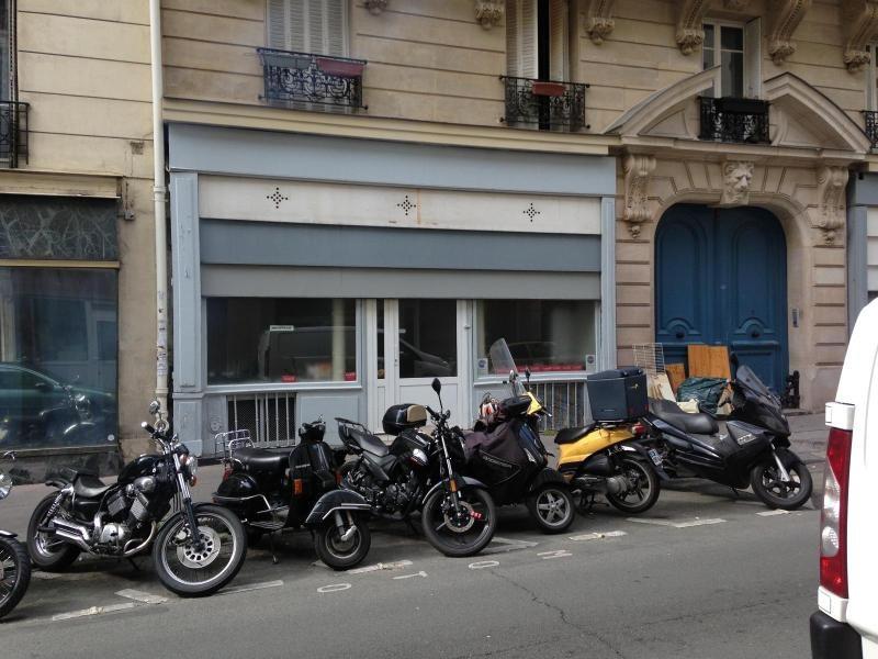 Location boutique Paris 11ème 2230€ CC - Photo 1