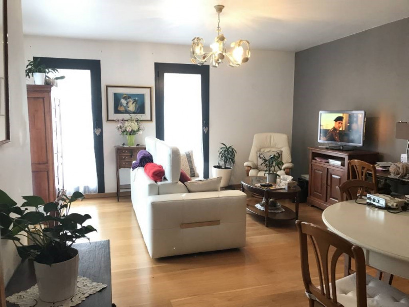 Rental apartment Arpajon 968€ CC - Picture 2