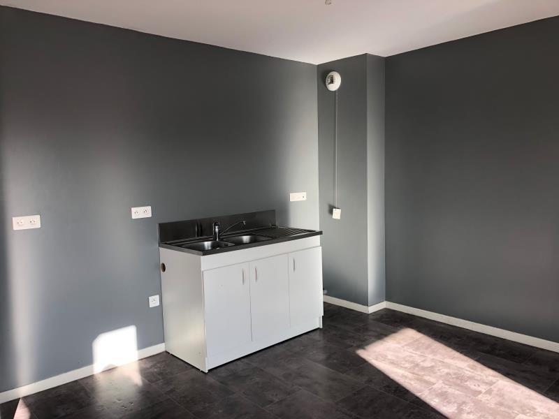 Location appartement Beaumont sur oise 810€ CC - Photo 2