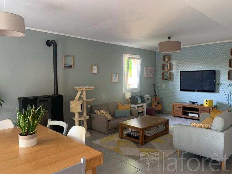 Rental house / villa Saint etienne de saint geoirs 850€ CC - Picture 3