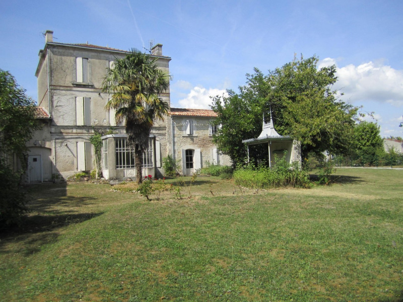 Sale house / villa Barbezieux-saint-hilaire 262 000€ - Picture 2