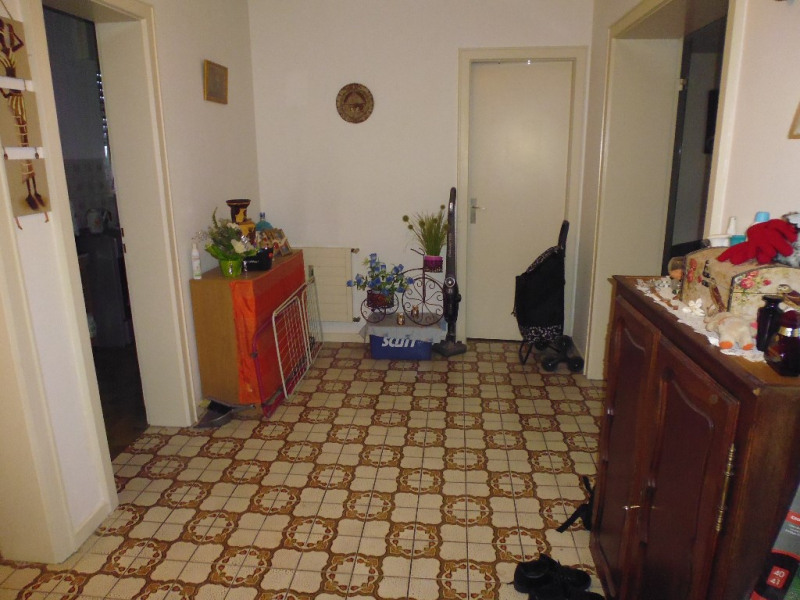 Sale apartment Strasbourg 93 000€ - Picture 2