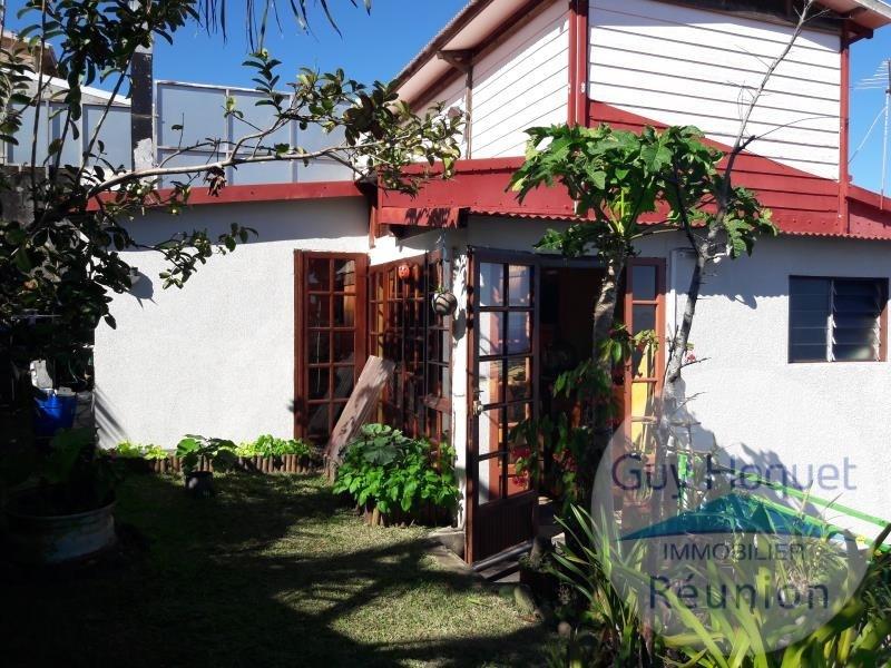 Дом, состоящий из двух одинаковых домов 5 комнат