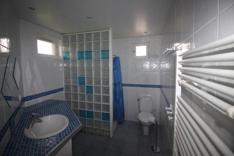 Sale house / villa St maxent 188000€ - Picture 4