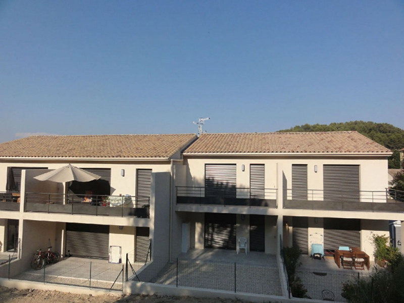 Rental apartment Meyrargues 705€ CC - Picture 1