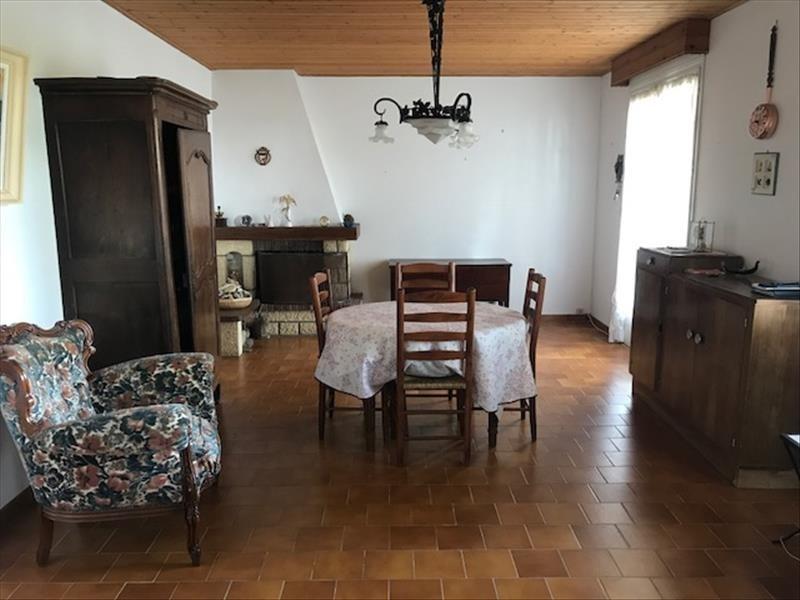 Sale house / villa Angles 139750€ - Picture 2