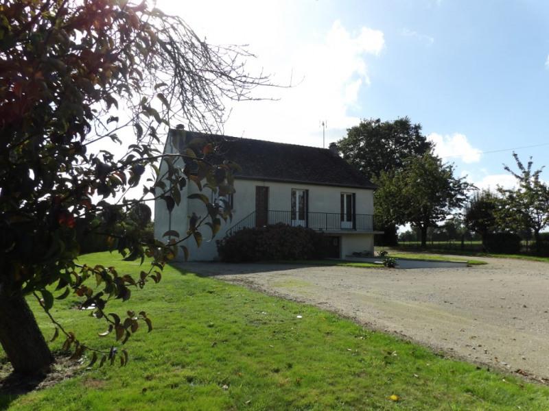 Sale house / villa Craon 96500€ - Picture 1