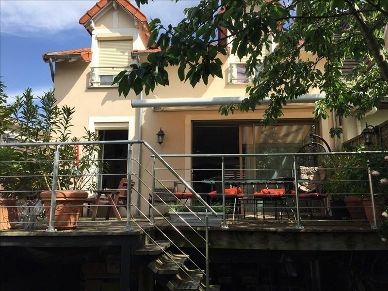 Sale house / villa Villemomble 420000€ - Picture 1