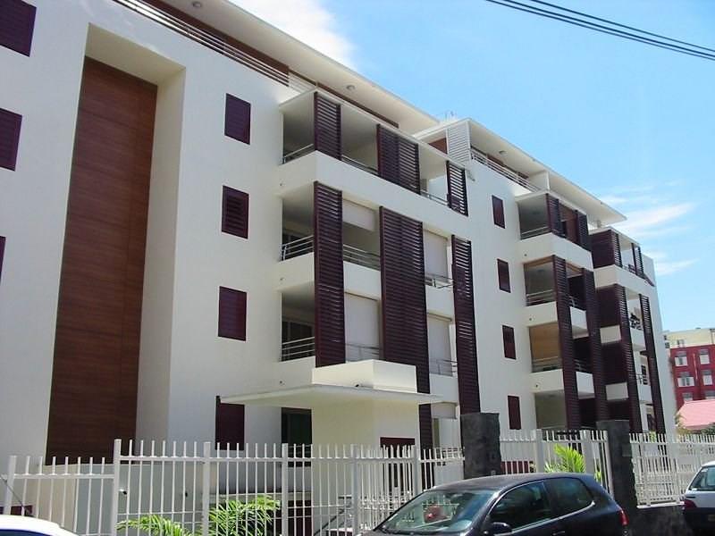 Location appartement Ste clotilde 574€ CC - Photo 1