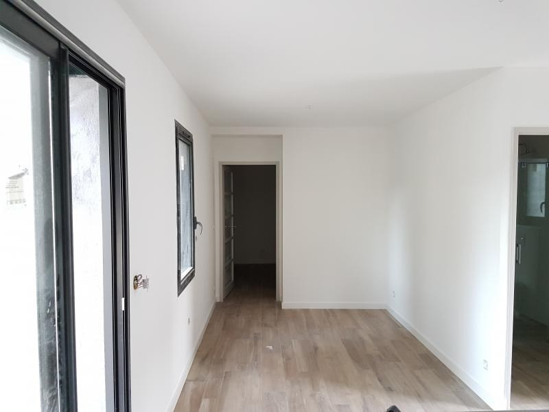 Location maison / villa Salon de provence 700€ CC - Photo 2