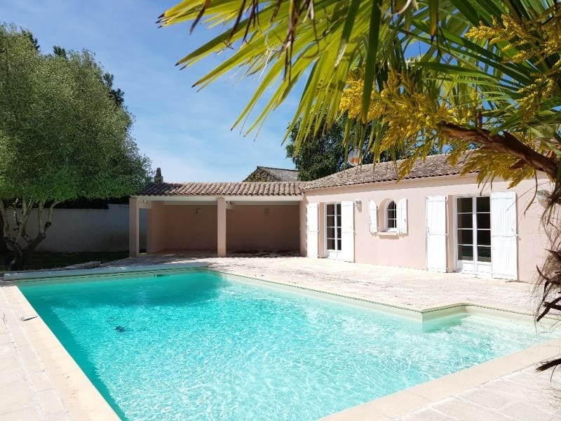 Deluxe sale house / villa Yves 605 000€ - Picture 1