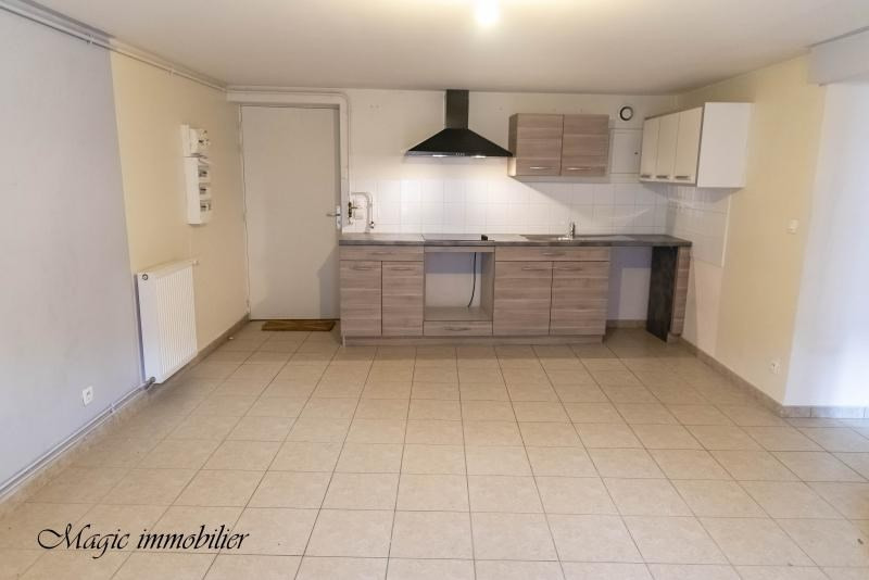 Rental apartment Nantua 447€ CC - Picture 2