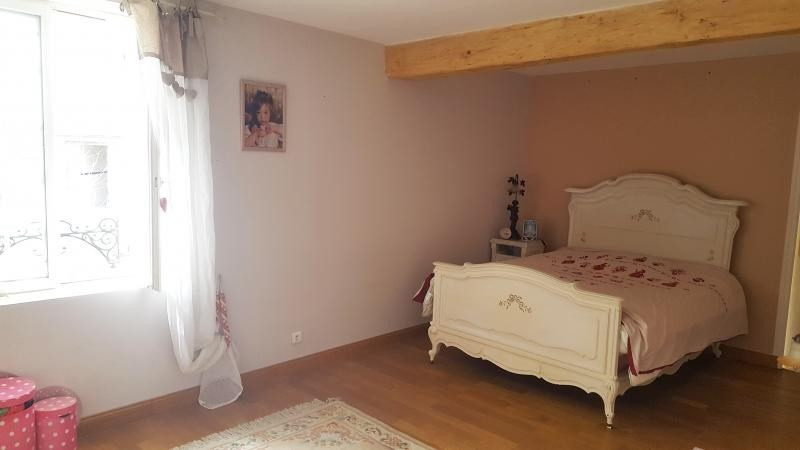 Sale house / villa Montfort l amaury 660 000€ - Picture 5