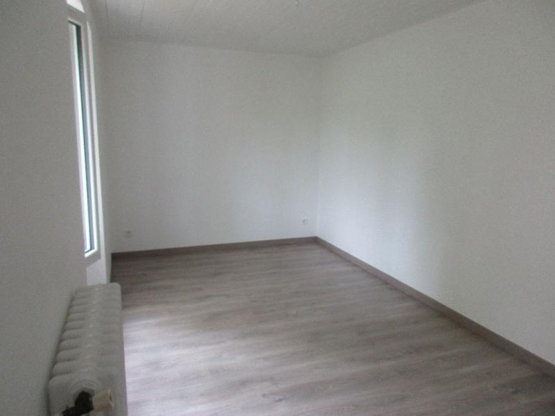 Rental house / villa Bouaye 935€ CC - Picture 3