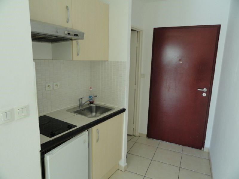 Location appartement Ste clotilde 383€ CC - Photo 2