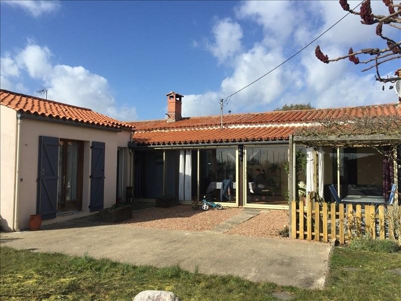 Sale house / villa St hilaire la foret 166400€ - Picture 2