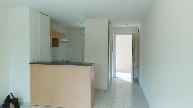 Rental apartment Vendome 545€ CC - Picture 2