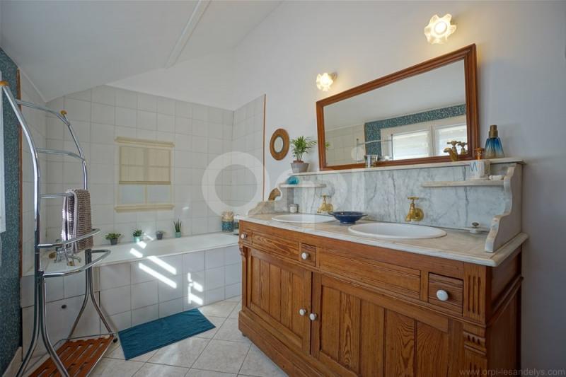 Sale house / villa Les andelys 279000€ - Picture 7