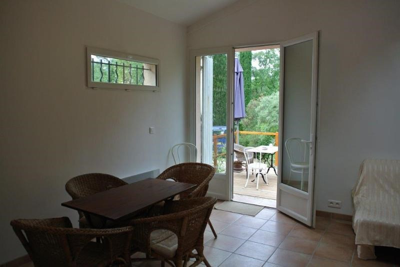 Location maison / villa Beaurecueil 701€ CC - Photo 8
