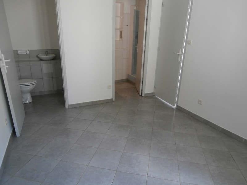 Verhuren  appartement Salon 700€ CC - Foto 9