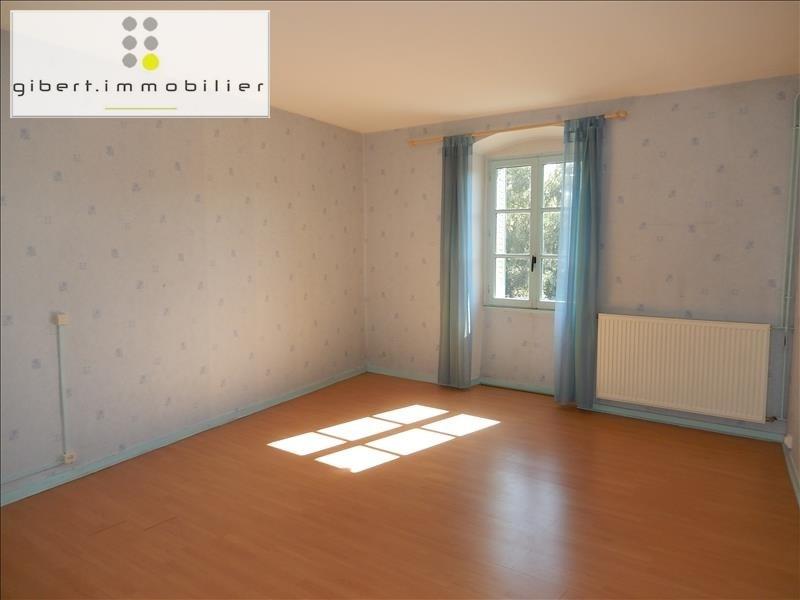 Location appartement Coubon 341,79€ CC - Photo 2