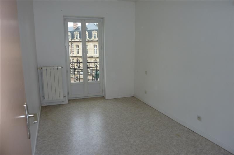 Location appartement Roanne 340€ CC - Photo 3