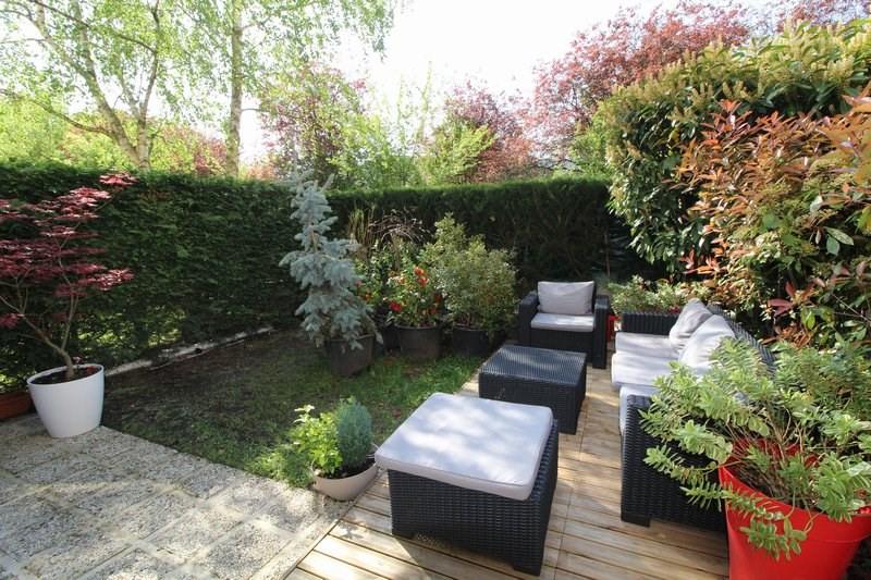 Sale apartment Nanterre 649000€ - Picture 1