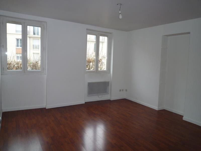 Rental apartment Le raincy 672€ CC - Picture 1