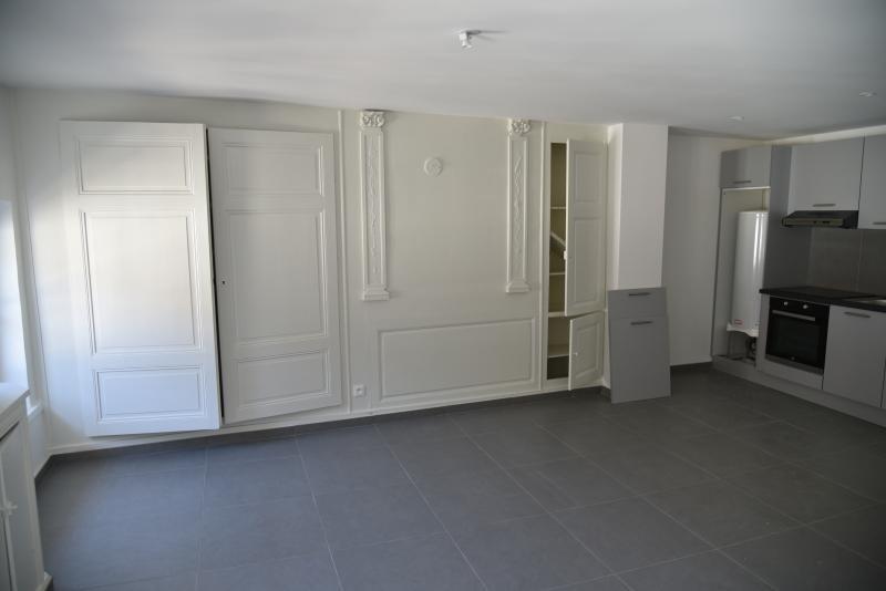 Location appartement Nantua 360€ CC - Photo 2