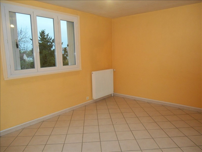 Location appartement Saint andre les vergers 436€ CC - Photo 2