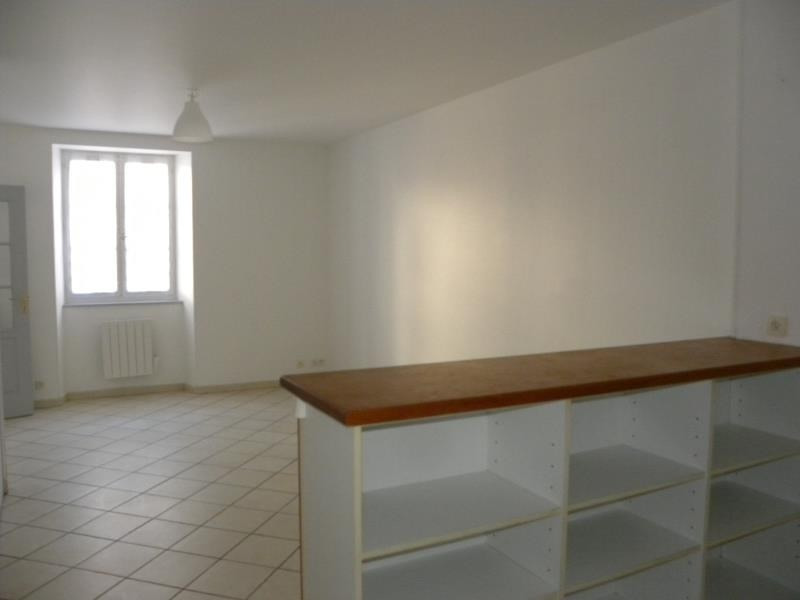 Rental apartment St jean pied de port 496€ CC - Picture 3