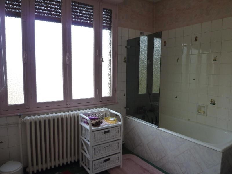 Sale house / villa Cusset 95 000€ - Picture 6