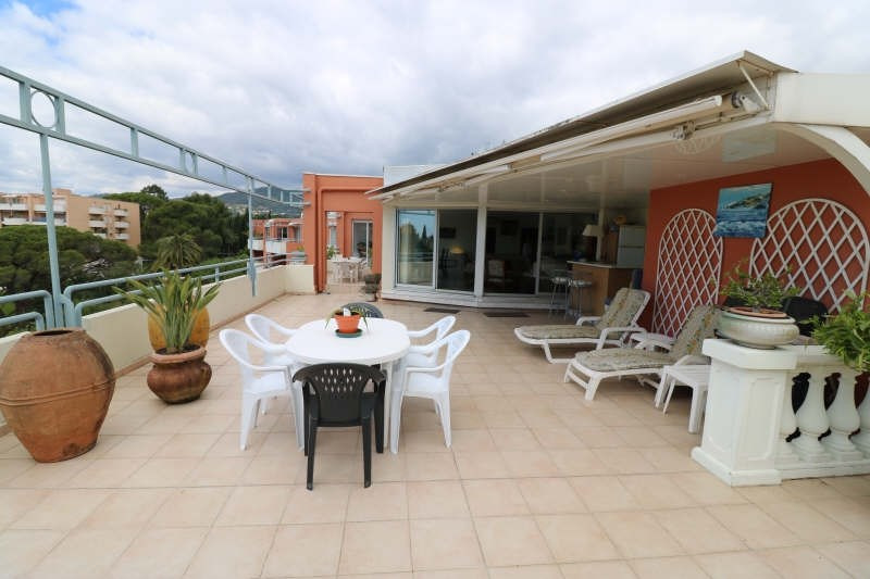 Deluxe sale apartment Cannes la bocca 1 050 000€ - Picture 2