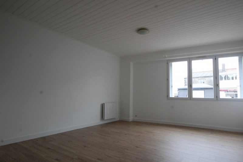 Location appartement Aizenay 457€ CC - Photo 1