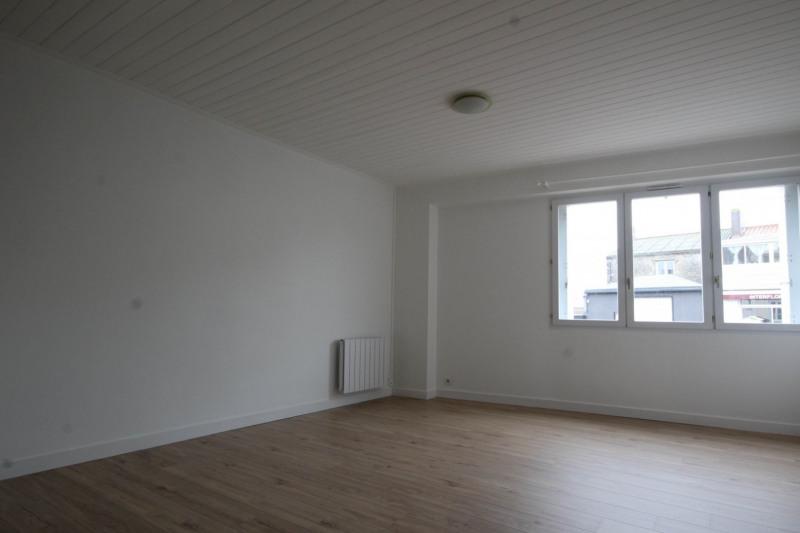 Rental apartment Aizenay 457€ CC - Picture 1