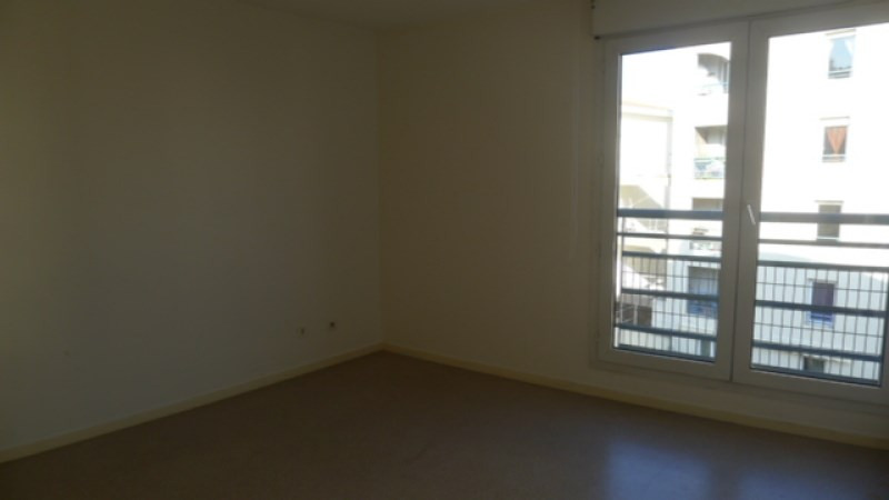 Location appartement Oullins 795€ CC - Photo 3