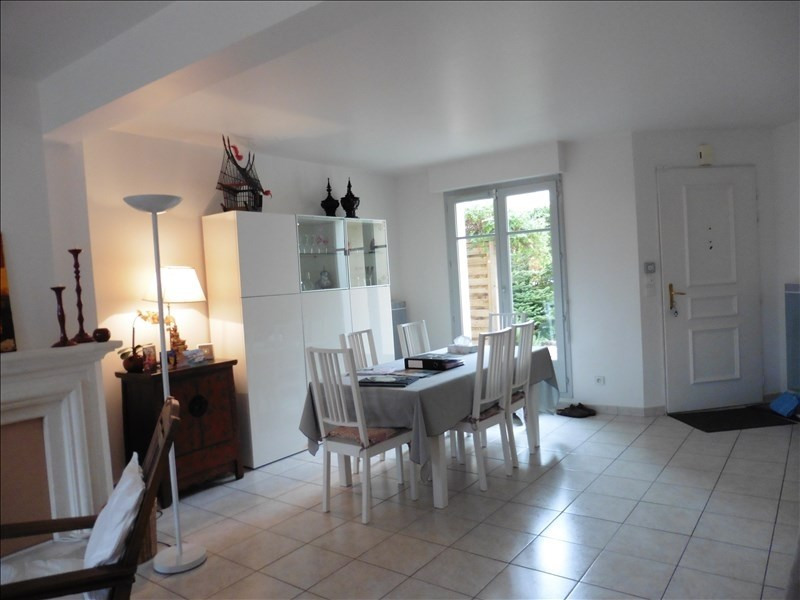 Location maison / villa Chambourcy 2 300€ CC - Photo 3