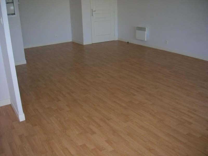 Location appartement Niort 565€ CC - Photo 3