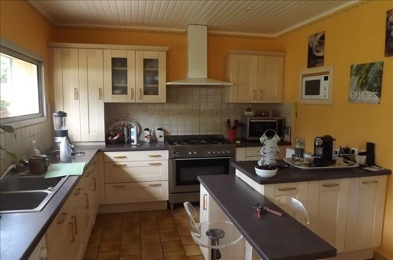 Sale house / villa Montpon menesterol 222000€ - Picture 2