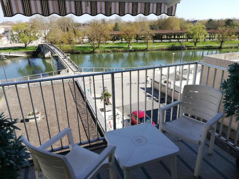Location appartement Saintes 870€ CC - Photo 1