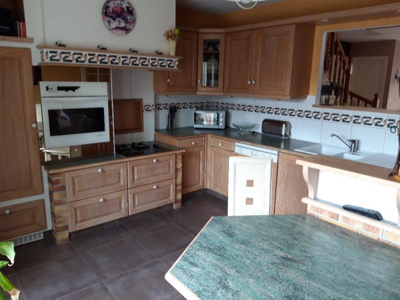 Sale house / villa Guegon 210000€ - Picture 3
