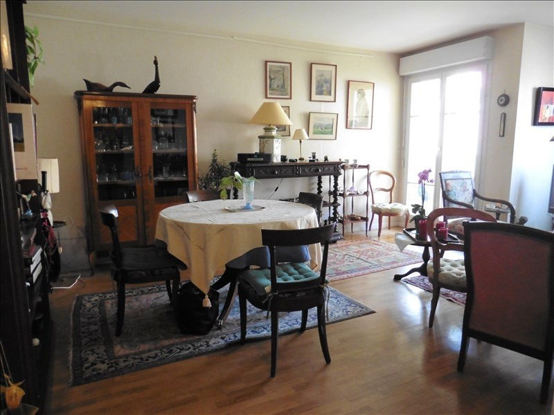 Sale apartment Poissy 247 000€ - Picture 1