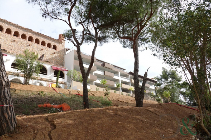 Deluxe sale apartment La londe les maures 602 900€ - Picture 2