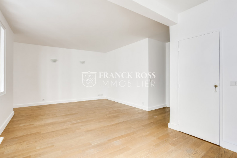 Location appartement Paris 16ème 2 630€ CC - Photo 3