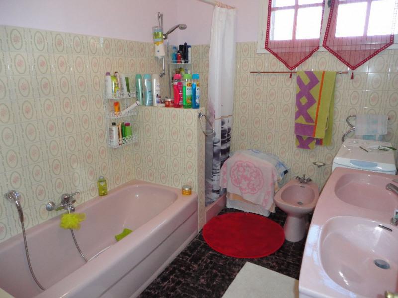 Sale house / villa Althen des paluds 395200€ - Picture 9