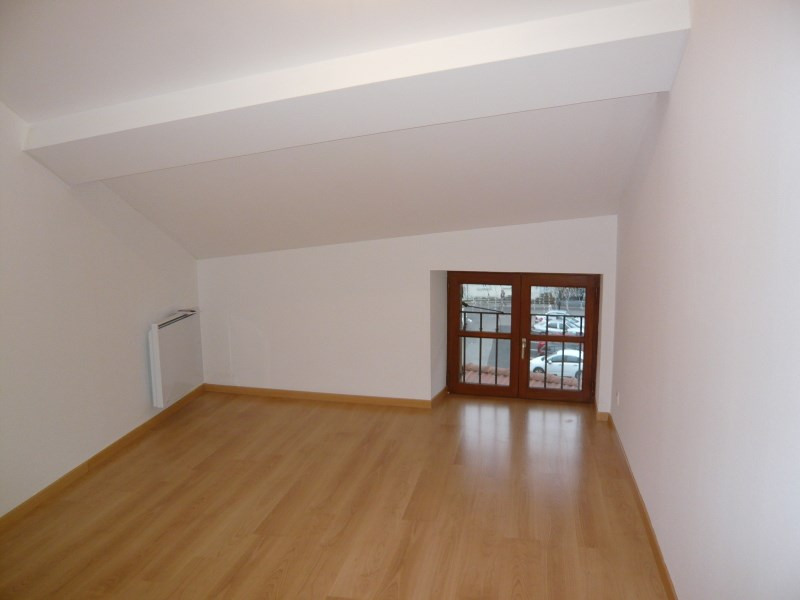 Location appartement Bourgoin jallieu 497€ CC - Photo 4