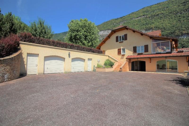 Deluxe sale house / villa Nances 695000€ - Picture 2