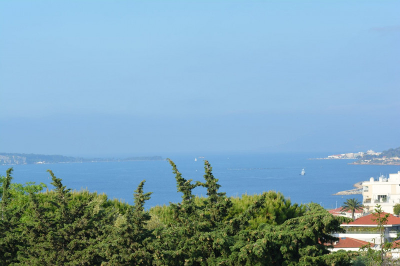 Sale apartment Antibes 399 500€ - Picture 1