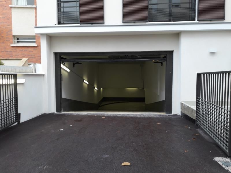 Rental parking spaces Viroflay 86€ CC - Picture 1